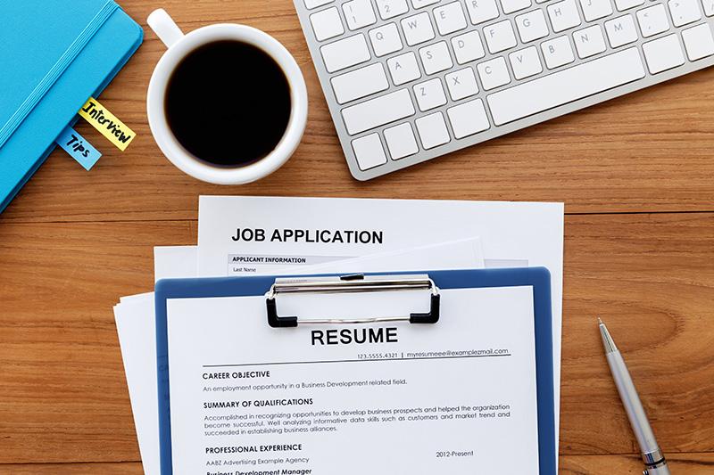 Як скласти резюме для пошуку роботи в Польщі